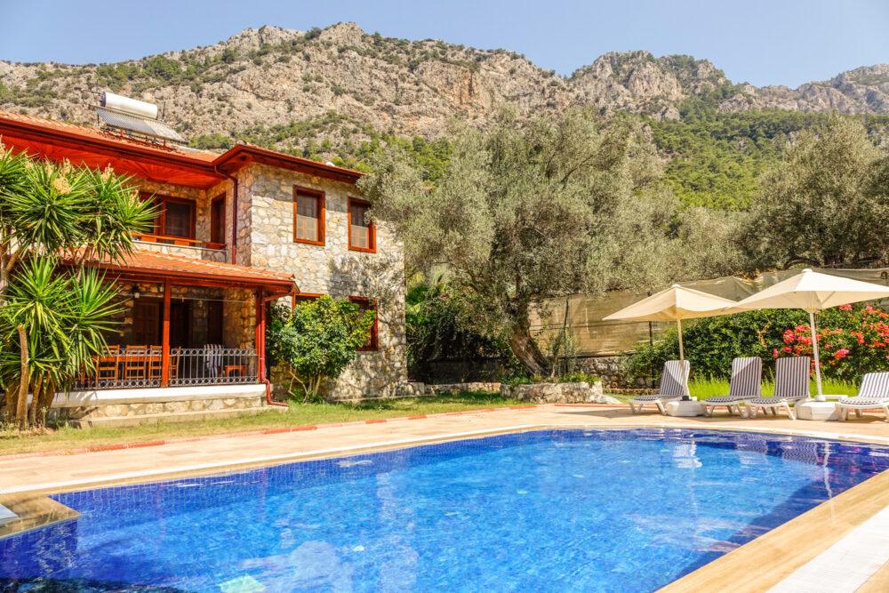 Luxury Villa Nurtan pool photograph